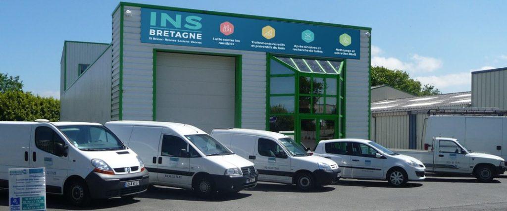 INS Bretagne